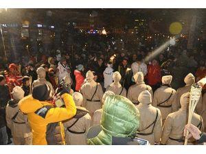 Sarıkamış şehitleri için meşaleli yürüyüş yapıldı