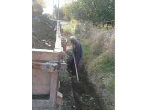 Erzin'de yağmur ve atık su kanalları temizlendi.