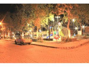Mimar Sinan Parkı Büyükşehirle Aydınlanıyor