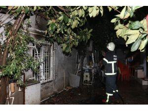 Antalya'da Gecekondu Yangını