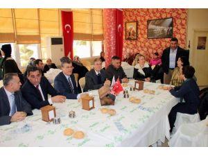 CHP İl Yönetimi Şehit Aileleriyle Buluştu