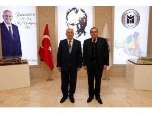 Azerbaycan'ın Ankara Büyükelçisi Bağırov'dan Yenimahalle Belediyesi'ne Ziyaret