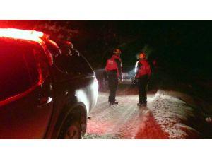 Dağda eksi 6 derecede mahsur kalan 2 arkadaş kurtarıldı
