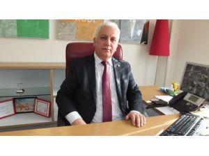 Burhaniye'de Sevilen Bankacı Çetinkaya Edremit'e Tayin Oldu