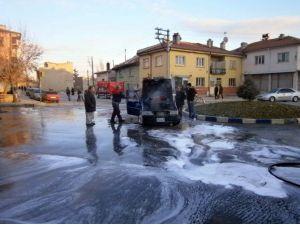 Afyonkarahisar'da Araç Yangını