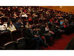 Maltepeli çocuklar yeni yıla tiyatroyla merhaba dedi