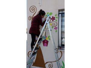 Kyk Öğrencileri, Anaokulunun Dış Duvarlarını Resimle Süslediler