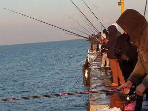 Kar Balık Tutkusuna Engel Olmadı