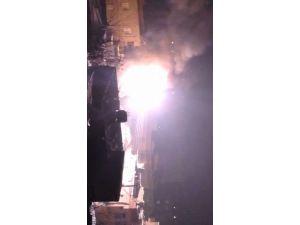 Trafo bir anda alev aldı, mahalleliler korku dolu anlar yaşadı