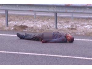 Ankara'da otobanda kanlar içinde ceset bulundu