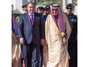 Rahman 2016'da ilk yurtdışı ziyaretini Suudi Arabistan'a yaptı