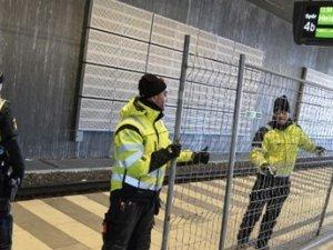 İsveç sığınmacılara karşı sınır kontrollerine başladı