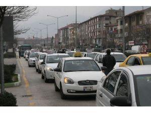 Bursa'da Dolmuş Ve Taksi Ücretleri Zamlandı