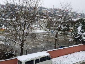 Serdivan Belediyesi Kar Timleri Yolları Açık Tuttu