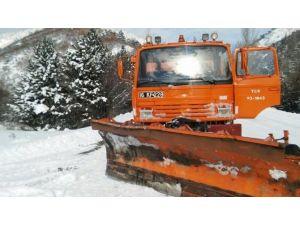 Kar Küreme Aracı İle Minibüs Çarpıştı: 1 Yaralı