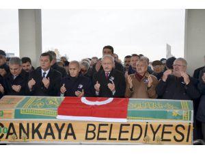 Kılıçdaroğlu, eski CHP Milletvekili Canpolat'ın cenazesine katıldı