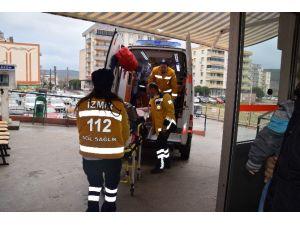 Aliağa'da Ve Ödemiş'te Yağmur Kazalara Yol Açtı: 2 Yaralı
