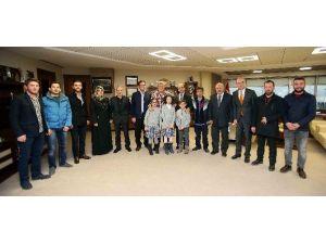 """Başkan Karaosmaoğlu: """"Eğitime Katkımız Geleceğimiz İçindir"""""""