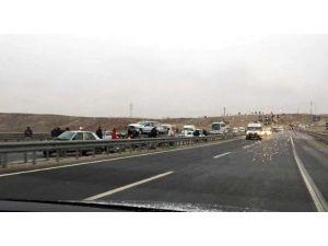 Çakal Köprüsünde 7 Araç Birbirine Girdi