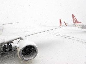Sivas ve Şanlıurfa'da hava ulaşımına kar engeli