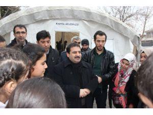 Harçlıklarını Suriyeli çocuklara bağışladılar