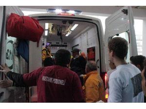 Memleketlerine Gitmek İsteyen Yaralı Yolcular, Kaza Geçirdikleri Otobüs Firmalarına İsyan Etti