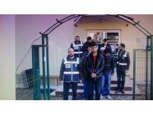 Çeşme'de 7 İnsan Kaçakçısı Tutuklandı
