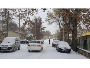Çemişgezek'te Eğitime Bir Günlük Kar Engeli