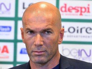 Real Madrid'in efsanesi Zidane teknik direktörlük koltuğunda