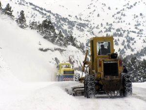 Erzincan'da 291 Köy Yolu Ulaşıma Kapandı