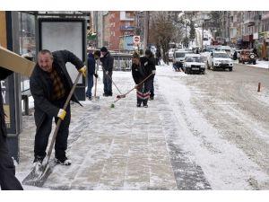 Gümüşhane'de Kar Vatandaşa Çile Olmadı