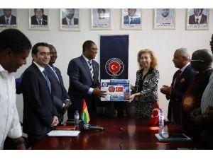 Gine Bissau Kentleşme İnşaat Ve Bayındırlık Bakanlığına Malzeme Desteği