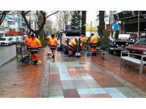 İzmit Belediyesi Özel Temizlik Ekipleri Oluşturdu