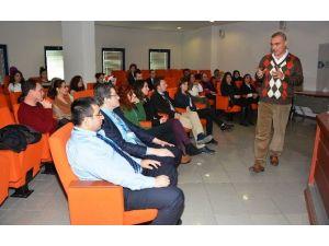 İzmit Belediyesi 2015'i Eğitimle Geçirdi