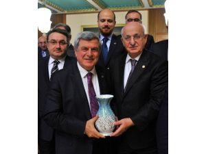 Başkan Karaosmanoğlu Rteü Kurucular Kurulu Toplantısı'na Katıldı