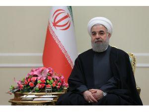 Ruhani: Terör gruplarından petrol alan ülkelere baskı yapılmalı