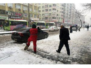 Diyarbakır'da 'Kar' Esareti