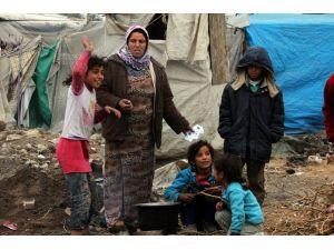 Savaştan kaçan Suriyelileri ağır kış şartları vuruyor
