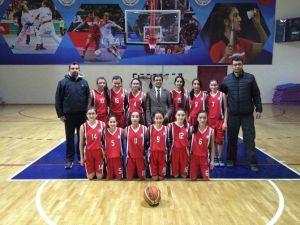 Büyükşehir Gençlik Spor Kulübü Yıldız Kızları Basketbolda Şampiyonluğa Koşuyor