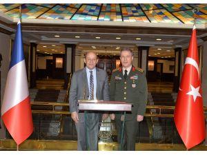 Fransa Savunma Bakanı Le Drian, Genelkurmay'da