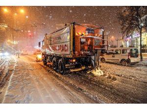 Fadıloğlu'ndan Yoğun Kar Mesaisi