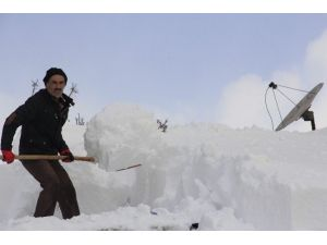 Esnafın Zorlu Karla Mücadele Çalışması