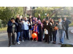 AK Parti'li Gençlerden Engellilere Ziyaret
