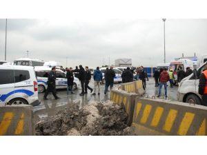 Kapkaç Yapıp Taksi Gasp Eden Zanlı, Vurularak Yakalandı
