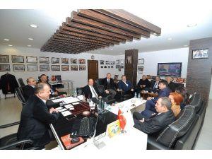 CHP'li Meclis Üyelerinden Başaranhıncal'a Kutlama Ziyareti