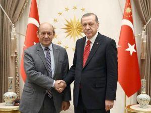 Cumhurbaşkanı Erdoğan, Fransız Bakan Le Drian'ı kabul etti