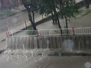 Ankara'nın Polatlı İlçesinde Sağanak Yağış, Sele Dönüştü