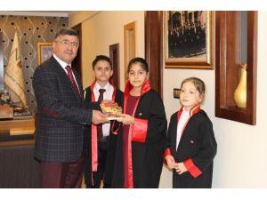 Geleceğin Hakim Ve Savcılarından Başkan Akdoğan'a Ziyaret