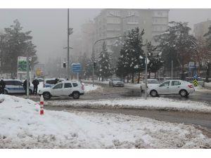 Diyarbakır'da Sis Hayatı Olumsuz Etkiledi