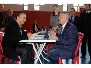 Dörtyol'un kurtuluşu etkinliklerinde satranç turnuvası düzenlendi